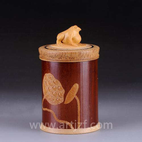 B409003 竹雕荷塘清趣茶叶罐