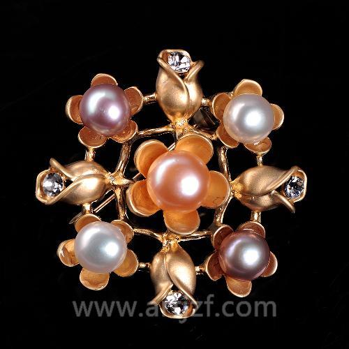 B210048 珍珠胸针